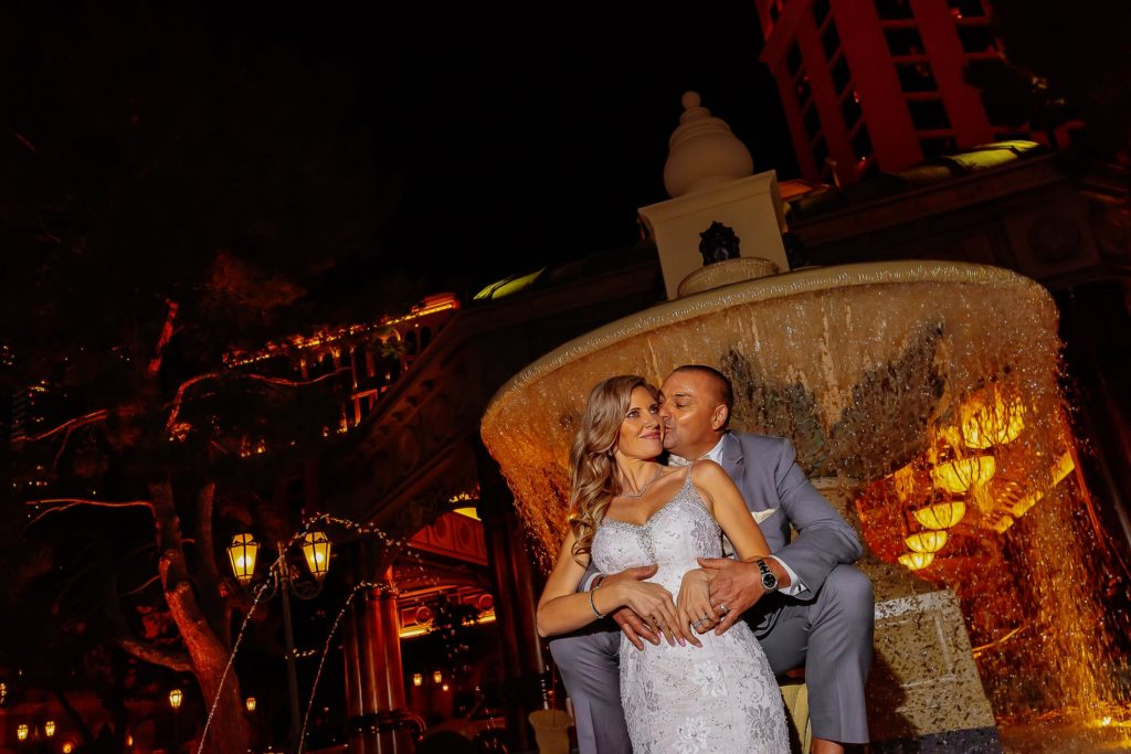 Vegas Weddings | Bride and groom at Bellagio fountain | Zoltan Wedding Photography