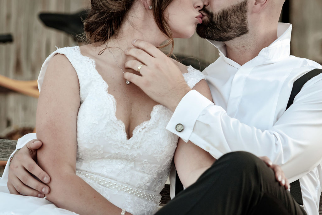 Las Vegas elopement photographer | Desert elopement photography | Nelson Ghost town