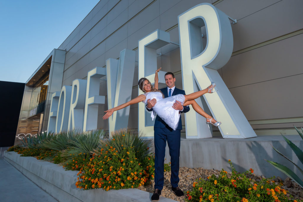Las Vegas Strip weddings | Wedding photographer | Vegas weddings