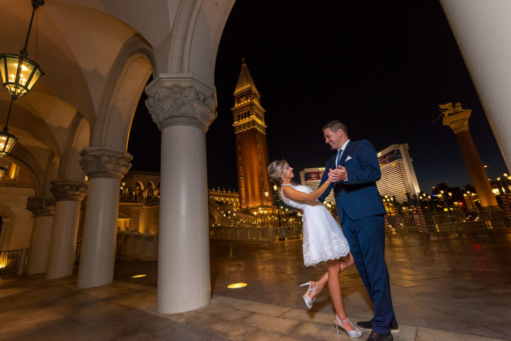 Las Vegas Strip wedding photographer | Venetian weddings | Agi and Szabolcs
