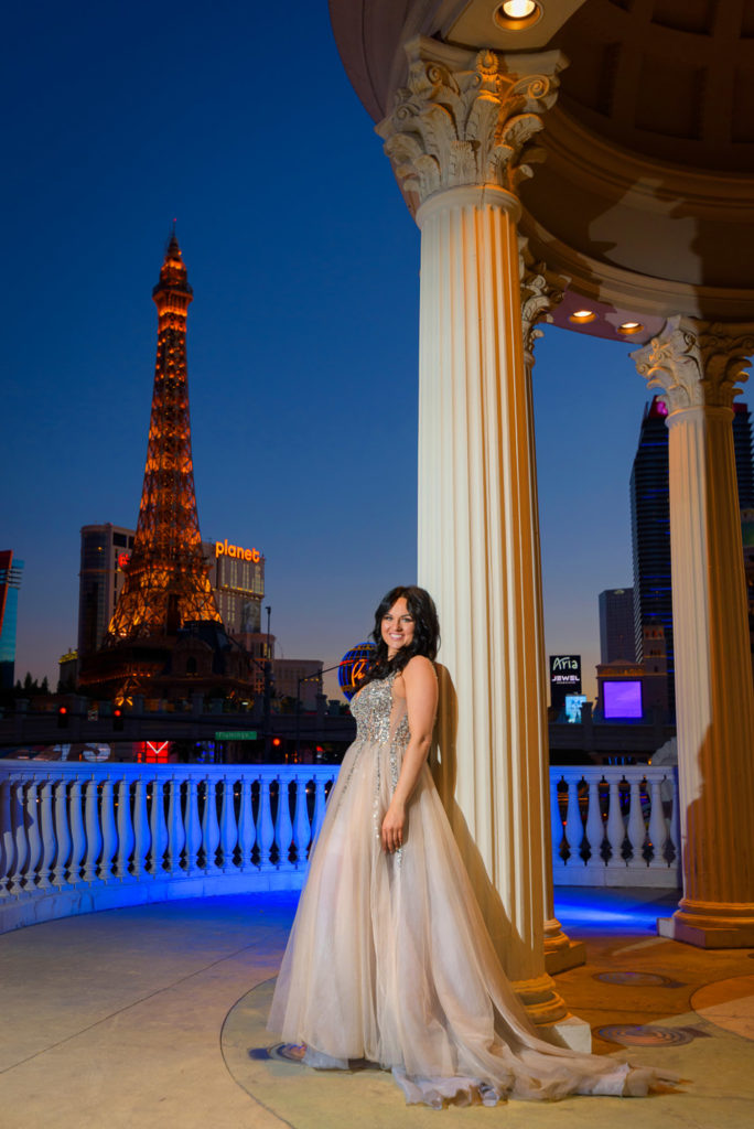 Wedding photographer Las Vegas strip | Caesar gazebo weddings