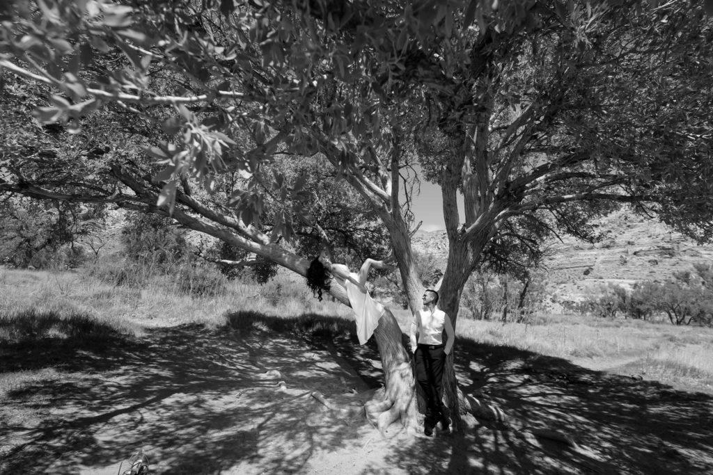 Elopement photographer | Desert elopements weddings | Red Rock canyon wedding photo