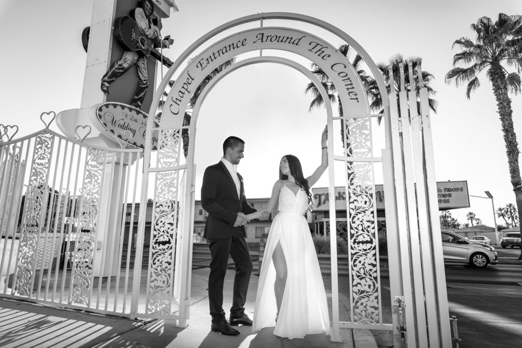 Las Vegas wedding photographer | Chapel weddings