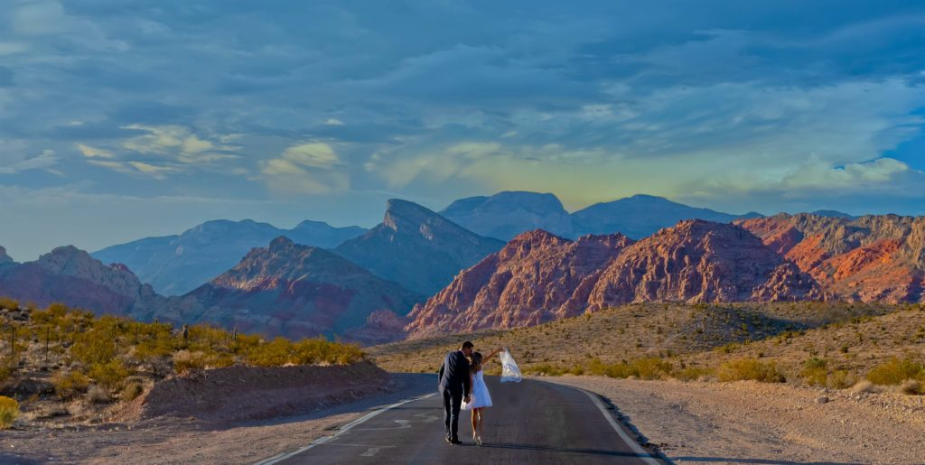 Elopement photographer | Desert elopements weddings | Red Rock Canyon